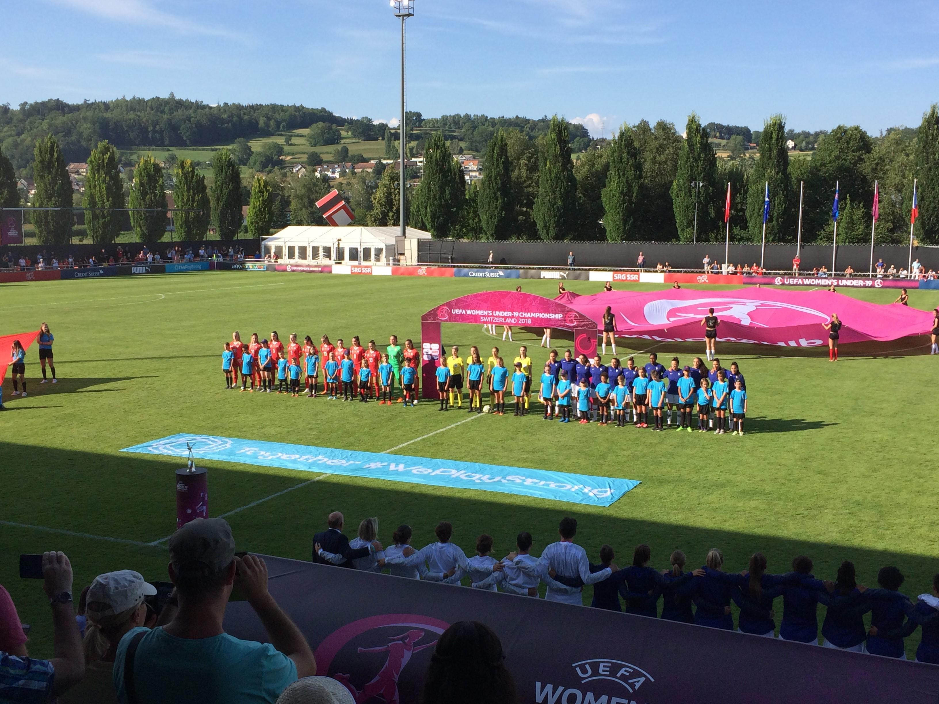 Juniorinnen_U19_Einlaufen